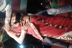 Tip honorarium barsa paani dance stage show - boobs press very hot dance show
