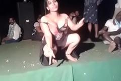 Neighbourhood pub Voice-over dance.MKV