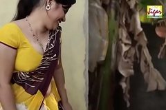 Sexy Bhabhi trying to seduce plumber