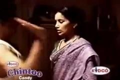 Swetha menon blouse publicly bra hot.....HD