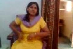 Bhabhi Showing Boobs To Devar